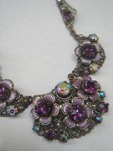 """W.Germany"" purple flower necklace"