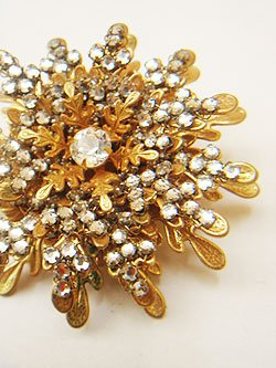 "画像1: ""MIRIAM HASKELL"" gold color brooch"
