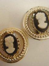 cameo design earring