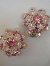 pink flower & rhinestone earring